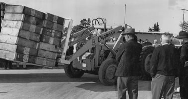 1964_Bulk_Loader_Sweatboxes